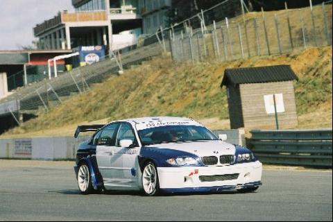 De gloednieuwe BMW E46 van GS Motorsport