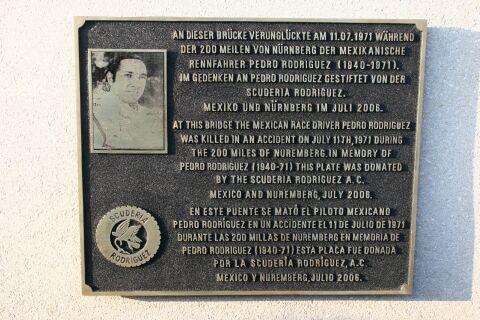 Rodriguez plaquette