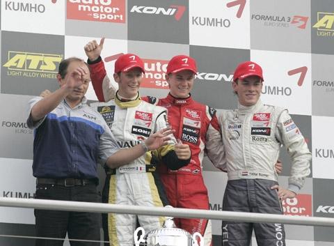 podium_zat