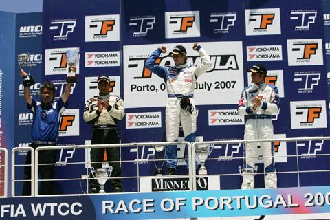 480_podium_masters_zon