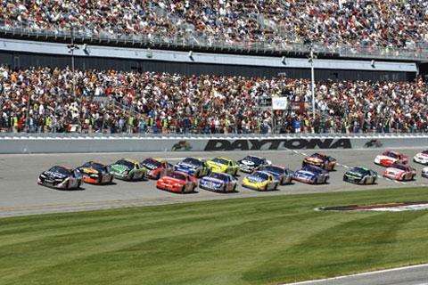 toyota-leidt-busch-race.jpg