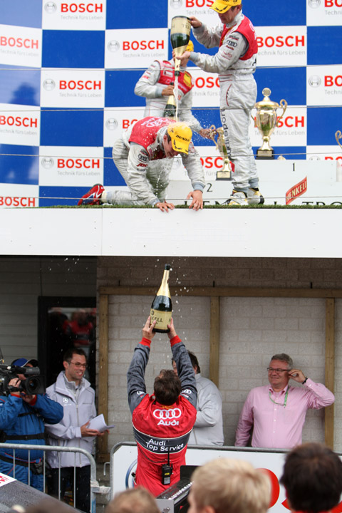 480_podium_champagnel8342