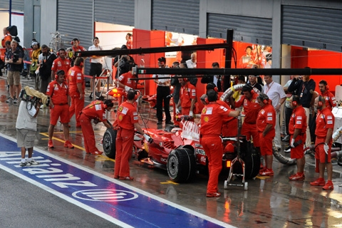 monza_pits