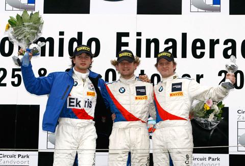 480_bernhard-podium