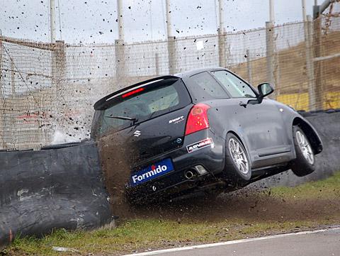 480_crash_obluda_swift1