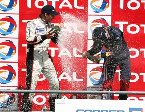 480_podium_f3_1_8864