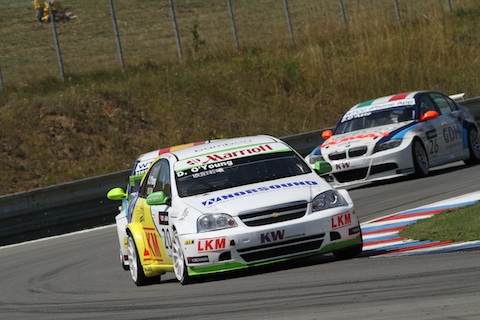 100801_wtcc_brno_o_young_action_480