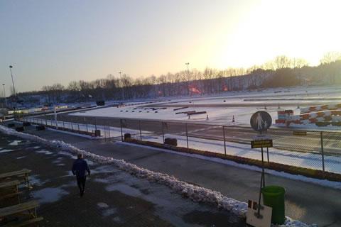 Diversen Kartbaan Berghem Weer Sneeuwvrij En Open Karting