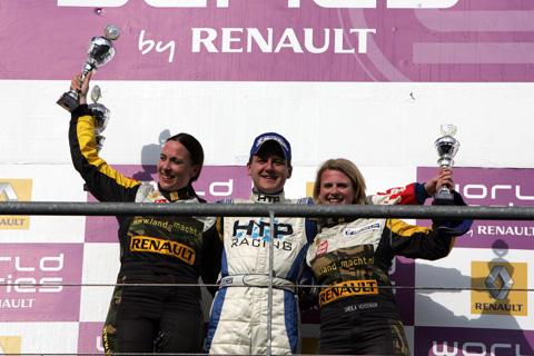 480_podium1_1801
