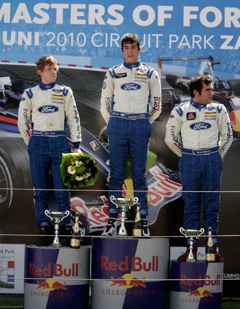 480_podium1_1_6800