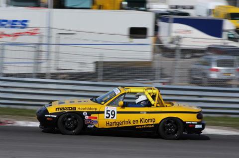 59_sgk_racing_stephane_greffet_2011_nl_preview