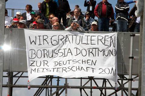 2011_borussia_fans