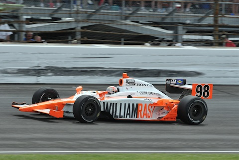 110529_Indy_500_Wheldon_action
