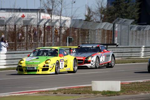 2011_vln_r1_duel_manthey_racing_black_falcon
