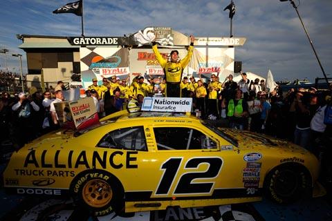 2011_hornish_jr._phoenix_victory_lane