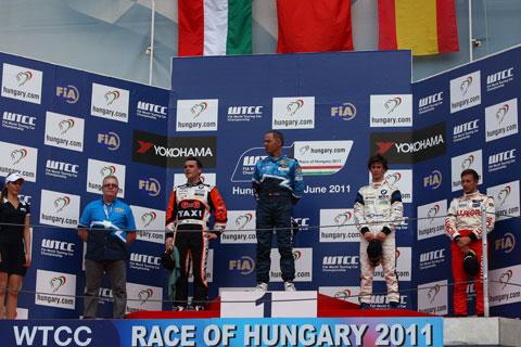 480_podium1_5690