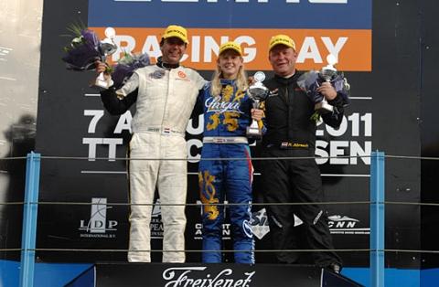 110806_podium_gt1