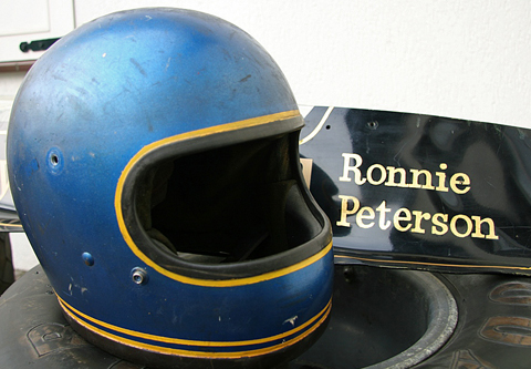 helm_ronnie_peterson_5