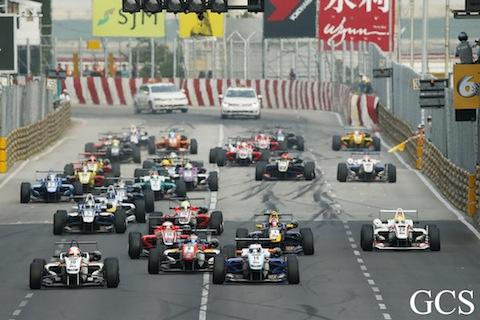 131117 F3 Macau Start