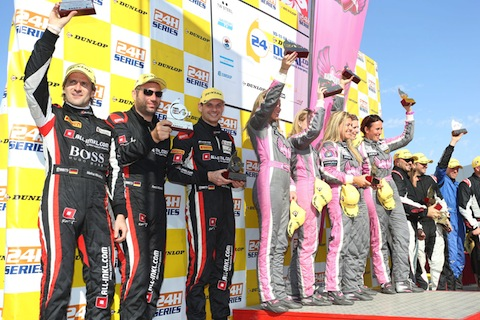 divas_podium