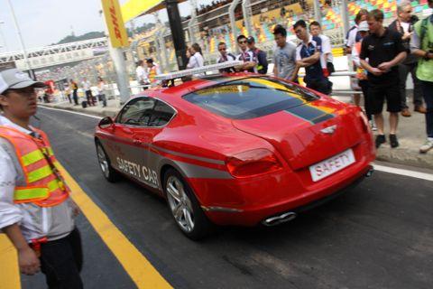 131119 Groeten Macau Safety car 25