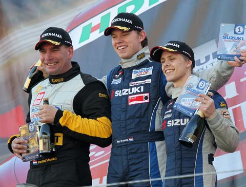 480_podium_2011_8914
