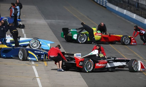 2. The Formula E teams used the final test day to focus on race simulations
