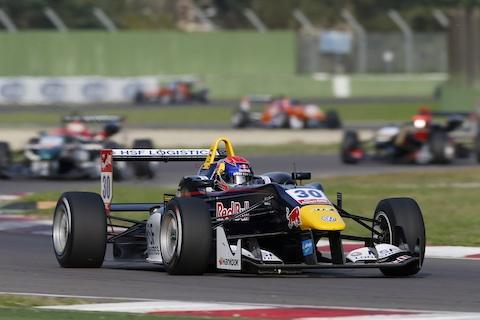 141012 F3 Imola R3 Verstappen actie