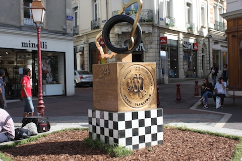 140619 Groeten LM winners monument