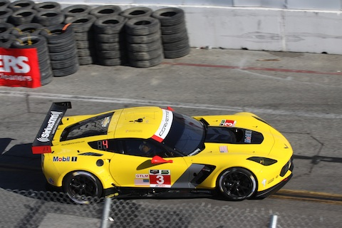 140411 USCC LB Quali 3 Corvette action
