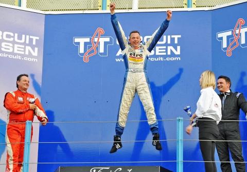 280914 ac podium