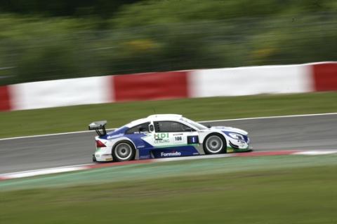 d1m9516 sgt race02