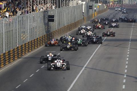 2015-Macau-F3-AT2-3450