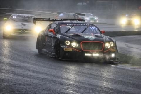 GT3.nl De Bentley Continental GT3 van Max van Splunteren in actie tijdens de openingsfase van de 24-uurs race van Spa 150725