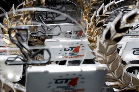 GT4pinkgroet00