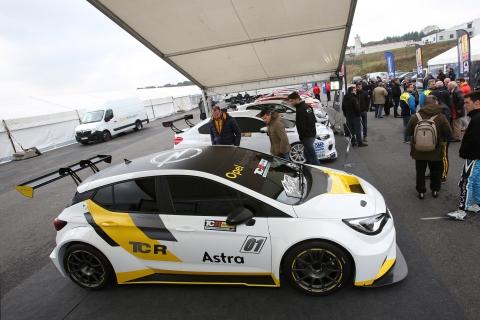 TCR Kick-off - Opel Astra