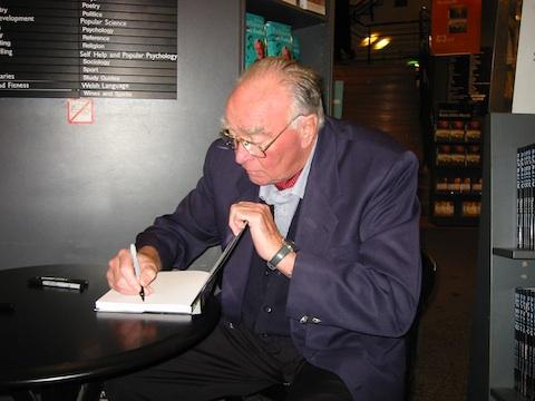 Saab Carlsson signing