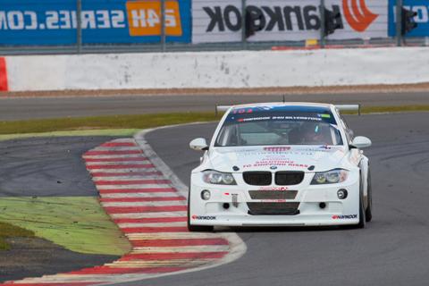 nr102-JR-Motorsport 800pix
