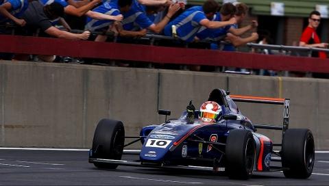 Race2F4