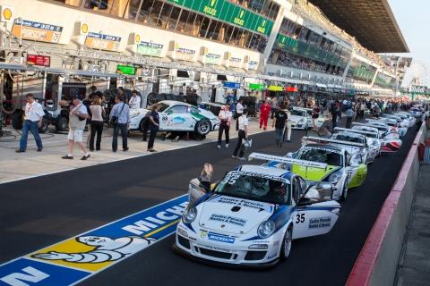 Le-Mans-Support-Race-Pitlane