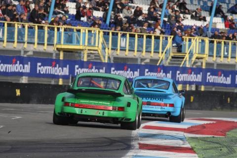 Fel gevecht tot op de streep tussen de dikke Porsches