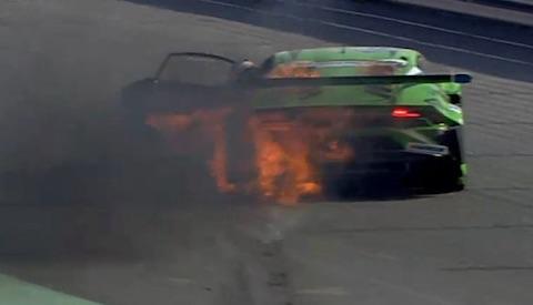 170113 24H Race Lamborghini fire