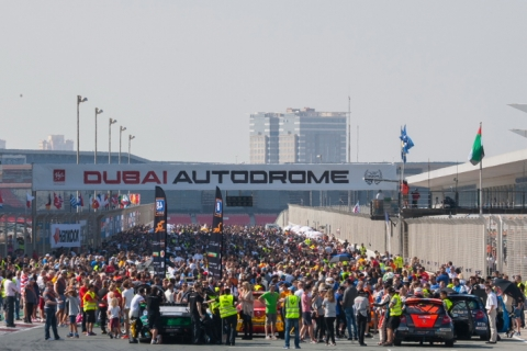 Start Grid Hankook 24H DUBAI 2016 800pix