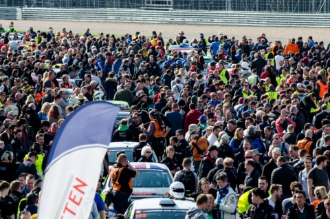 Start grid Hankook 24H SILVERSTONE 2016 800pix