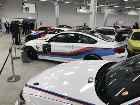 171216 BMW Modern