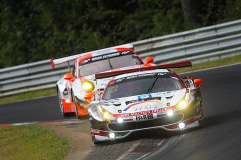VLN duel Ferrari Porsche