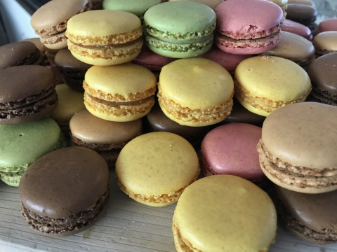170820 Macarons