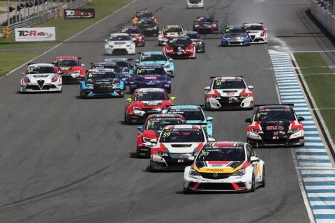 2017 Buriram Race 1 start