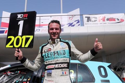 2017 Dubai Vernay champion