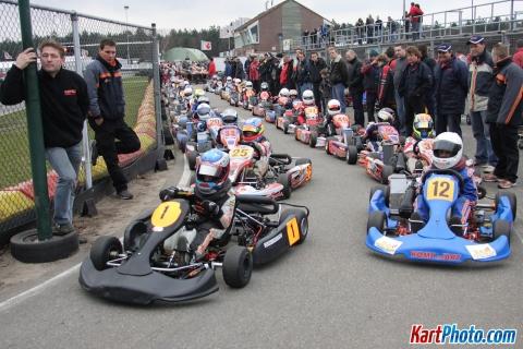 Toen-Max-Verstappen-nog-kartte---met-vader-Jos-in-de-pits